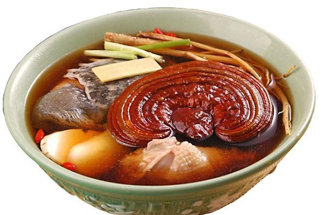 Nhung nguoi cam ky voi than duoc nam linh chi 2 1540513653 556 width665height443 - Top 8 món ngon bổ dưỡng, tốt cho sức khỏe từ nấm linh chi