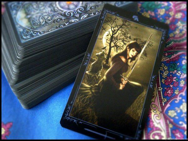 cam nhan bo bai Dark Fairytale Tarot 600x450 - Tìm Hiểu Bộ Bài Dark Fairytale Tarot